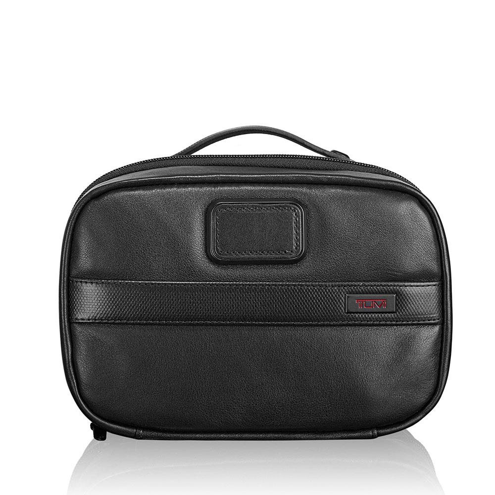Tumi Alpha 2 Travel Split Kit Black Leather <br/>€ 115.00 <br/> <a href='http://tc.tradetracker.net/?c=10737&m=395139&a=107398&u=http%3A%2F%2Fwww.bagageonline.nl%2Ftumi-alpha-2-travel-split-kit-black-leather.html%3Futm_campaign%3Dfeed' target='_blank'>Bestellen</a>