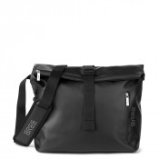 Bree Punch 715 Messenger Black