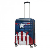 American Tourister Wavebreaker Marvel Spinner 67 Captain America Close-Up