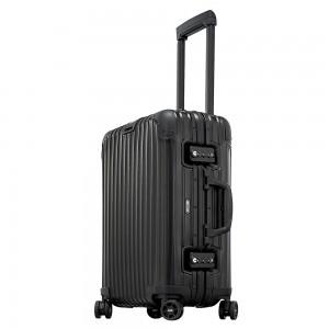 Rimowa Topas Stealth Cabin Multiwheel 55/23 Black